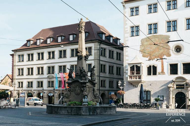 Vieröhrenbrunnen